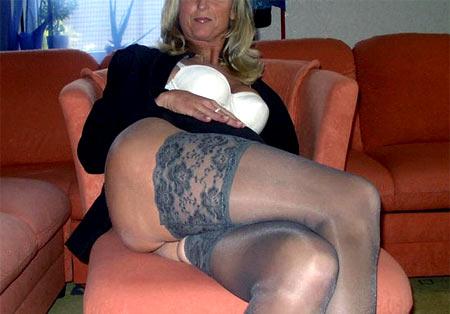 Femme mure cochonne à Montreuil