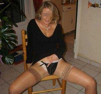 Femme cougar nympho sur Amiens pour un jeune homme imaginatif
