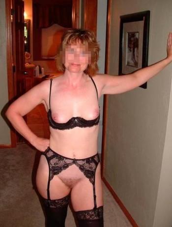 Femme cougar veut trouver un homme de 18 ans environ à Saint-Chamond