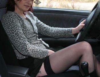 Femme cougar chaude veut rencontrer un mec jeune et sexy à Perpignan