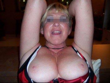 Femme cougar sexy à Brive-la-Gaillarde pour un plan q rapide
