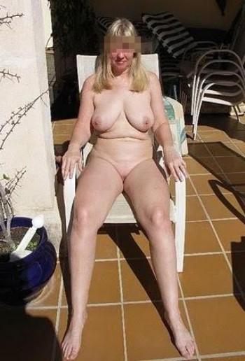 Jolie femme cougar aimerait trouver un homme de 18 ans environ à Tours