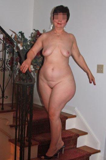 Femme au foyer à Pantin pour un amant dans la vingtaine