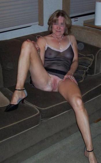 Femme cougar coquine recherchant black bien monté sur Grasse