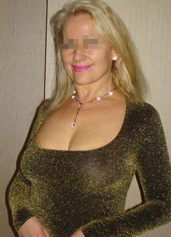 Cougar sexy cherche un jeune homme à Talence
