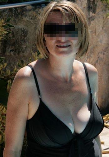Femme cougar vicieuse qui cherche un mec jeune et excitant à Saint-Maur-des-Fossés